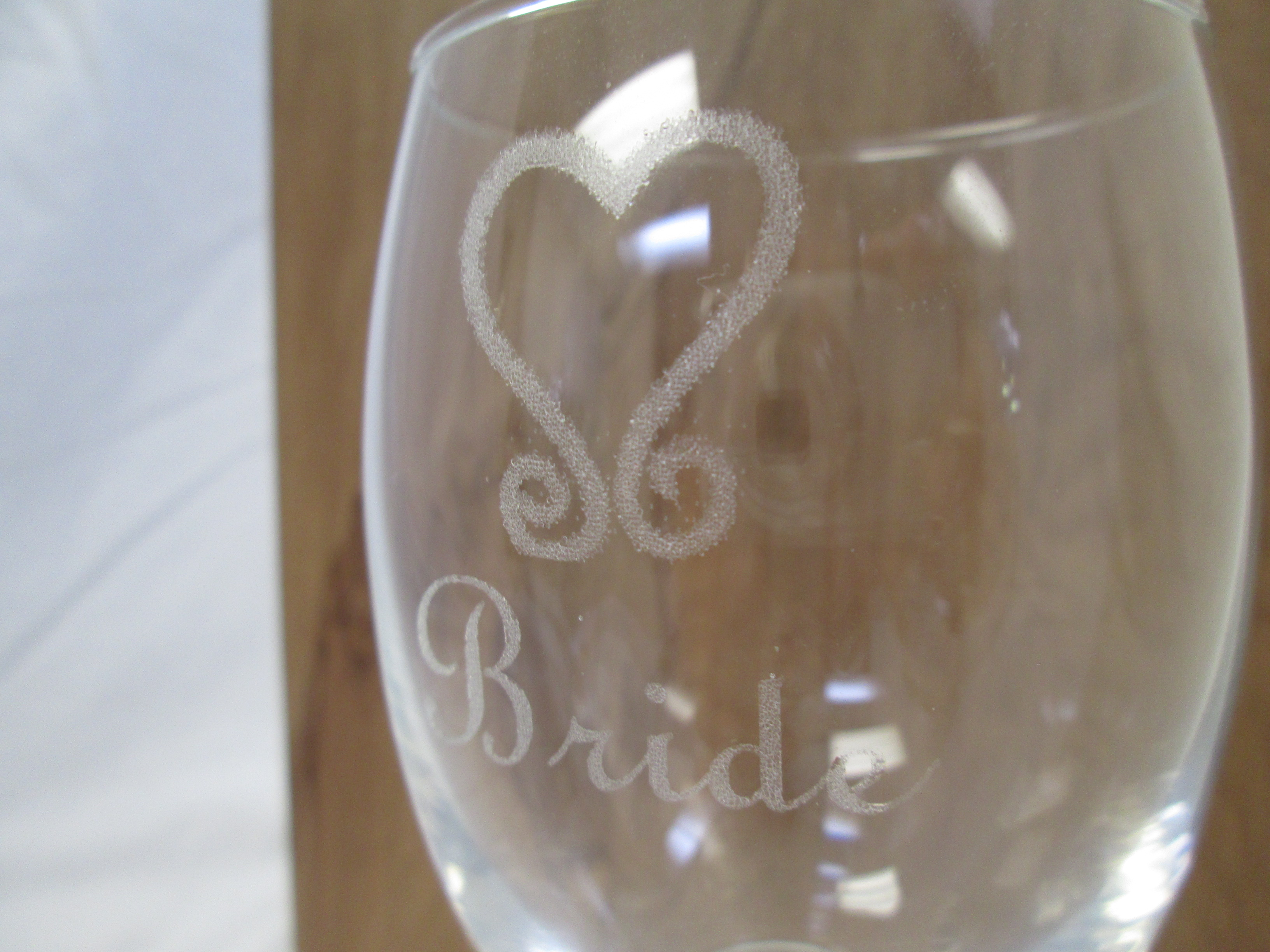Cat-14.1-Engraved-Glass-1